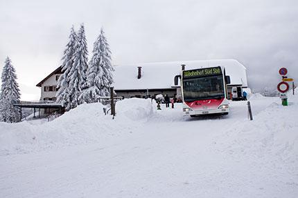 Restaurant Untergrenchenberg - Bus im  Winter